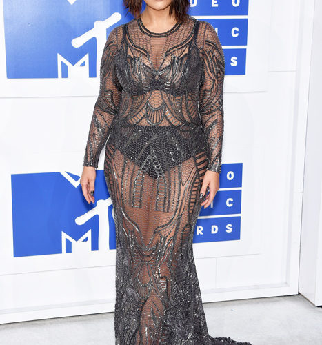 Ashley Graham-červený koberec MTV Video Music 2016