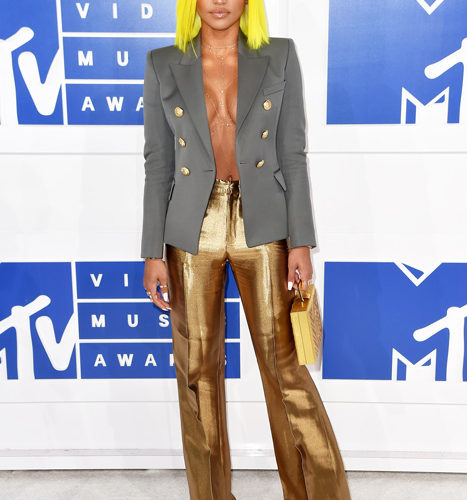 Cassie-červený koberec MTV Video Music 2016