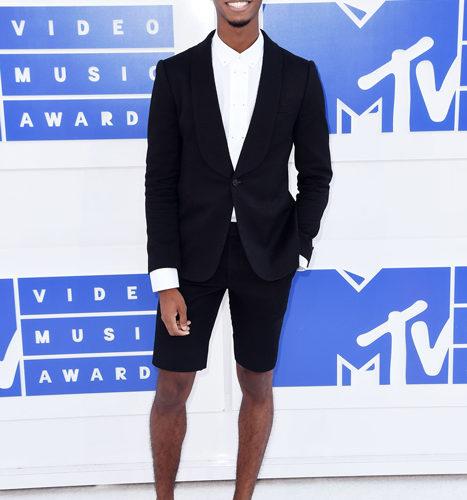Kingsley-červený koberec MTV Video Music 2016