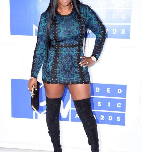 Remy Ma-červený koberec MTV Video Music 2016